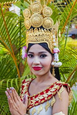 TPX43834 Cambodia, Siem Reap, Apsara Dancer