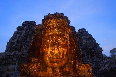 TPX43448 Cambodia, Siem Reap, Angkor Wat, Bayon Temple, Buddha Head