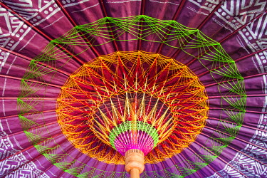 TPX44174 Thailand, Chiang Mai, Borsang Umbrella Making Village