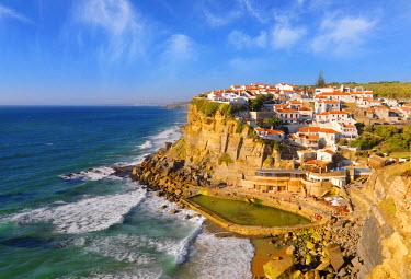 POR7532AW Portugal, Sintra, Azehas do Mar, Overview of town.