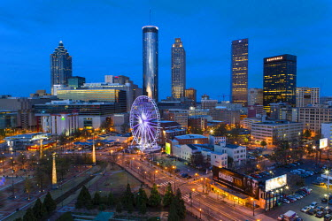 US38040 City skyline, elevated view over Downtown and the Centennial Olympic Park in Atlanta, Georgia, United States of America