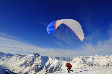 AUT0511AW Paraglider, Pardorama, Ischgl, Tyrol, Austria (MR)