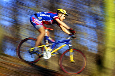 GER7817AW Mountain biking, downhill, Germany (MR)
