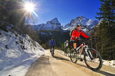 GER7840AW Mountainbiker, Berchtesgadener Land, Bavaria, Germany (MR)