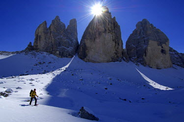 ITA2867AW Snowshoeing, Three Peaks, Tre Cime, Hochpustertal Valley, Dolomites, South Tyrol, Italy (MR)
