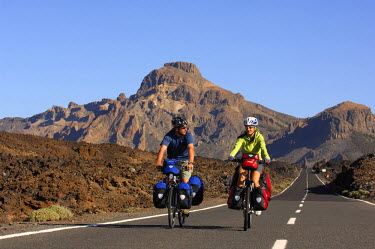 SPA5437AW Biking in the Teide National park, Tenerife, Canaries, Spain (MR)