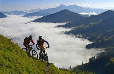 SWI7381AW Biking, Saanenland, Switzerland (MR)