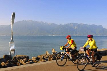 SWI7429AW Biking, La Fourchette, Vevey, Lake Geneva, Switzerland (MR)
