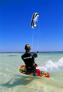 TUN1088AW Kitesurfing, Djerba, Tunisia (MR)