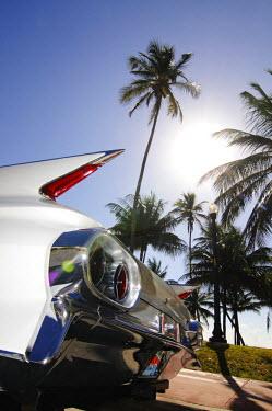 USA9152AW Chevrolet Vintage Car, Ocean Drive, Miami South Beach, Art Deco District, Florida, USA