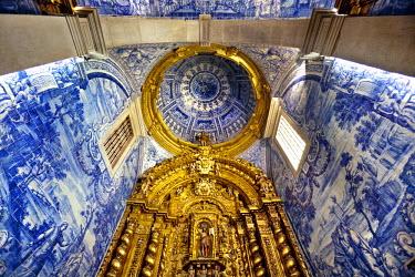 POR7733AW Tiled church, Igreja de Sao Laurenco, Almancil, Algarve, Portugal
