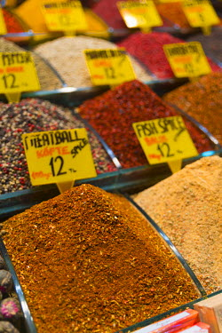 TK01629 Turkey, Istanbul, Sultanahmet, Spice Bazaar (Misir Carsisi)