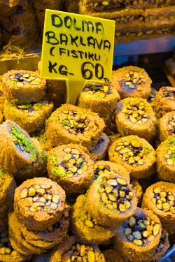 TK01630 Turkey, Istanbul, Sultanahmet, Spice Bazaar (Misir Carsisi)