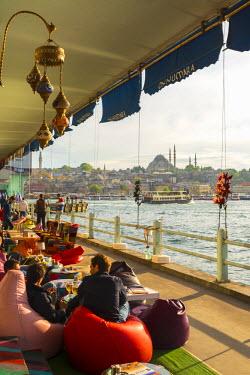 TK01647 Turkey, Istanbul, Sultanahmet, Galata Bridge across the Golden Horn, Suleymaniye Mosque