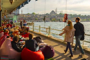 TK01648 Turkey, Istanbul, Sultanahmet, Galata Bridge across the Golden Horn, Suleymaniye Mosque