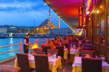 TK01654 Turkey, Istanbul, Sultanahmet, Galata Bridge across the Golden Horn, New Mosque (Yeni Camii)