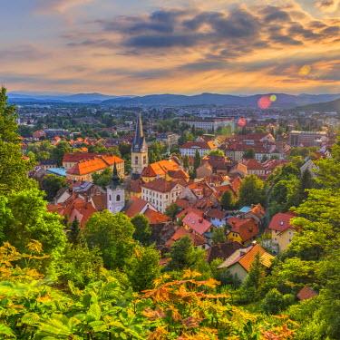 SV01048 Slovenia, Ljubljana, Sveti Florijana (or Sentflorjanska) Cerkev and Sveti Jakoba Cerkev beyond (Saint Florian and Saint Jakob Churches)