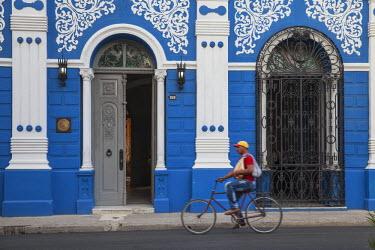 CB02007 Cuba, Camaguey Province, Camaguey, Ignacio Agramonte, Interior of Casa de la Divesidad - The House of the cultural diversity - once a house that  belonged to Aurelia Castillo, Camag�ey important poet...
