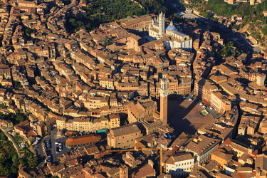 HMS1760808 Italy, Tuscany, Siena, historic center, (UNESCO World Heritage Site) (aerial view)