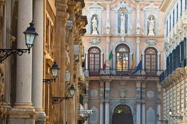 HMS0458657 Italy, Sicily, Trapani, the Palazzo Senatorio