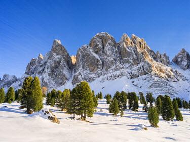 EU16MZW0426 Geisler Mountain Range or Gruppo delle Odle in South Tyrol (Alto Adige), Italy. The Geisler Mountain Range is part of the Dolomites, a UNESCO World Heritage Site