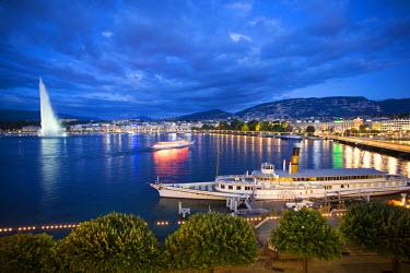 CH03656 Jet d'eau on Lake Geneva, Geneva, Switzerland