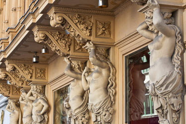 HMS0636944 Austria, Vienna, historic center listed as World Heritage by UNESCO, Graben, main store of gourmet chain Julius Meinl, launched in 1862 as a coffee specialist, detail from the fa�ade with caryatids