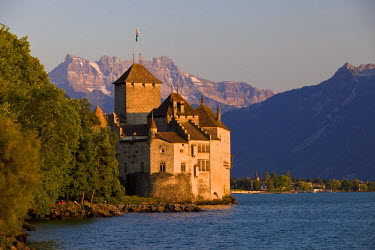HMS0638262 Switzerland, Canton of Vaud, Lake Geneva, Veytaux, Chillon Castle at South Montreux