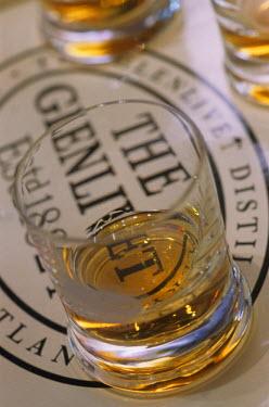 HMS0257366 United Kingdom, Scotland, Moray, Speyside, Dufftown, the Glenlivet distillery, tasting of single malt whiskies, glasses