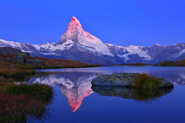 Switzerland, Canton of Valais, Zermatt, Matterhorn (4478m) from Stellisee lake
