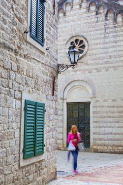 MR01191 Cobblestone streets in Kotor's Stari Grad (Old Town) and The Bay of Kotor, Kotor, Montenegro