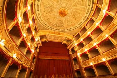IT10232 Interior of Noto Theatre (Teatro Comunale Vittorio Emanuele) in Piazza XVI Maggio,  Noto, Sicily, Italy