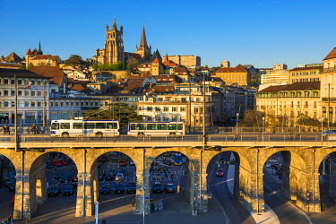 HMS1697658 Switzerland, Canton of Vaud, Lausanne, city center, Notre Dame Cathedral and Grand Gateway Bridge and Europe Plaza