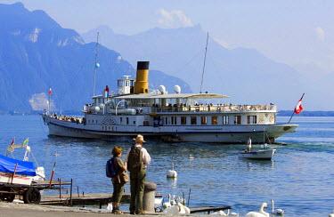 HMS0319592 Switzerland, canton of Vaud, Vevey, Lake Geneva, Vevey Quay and Leman steam boat