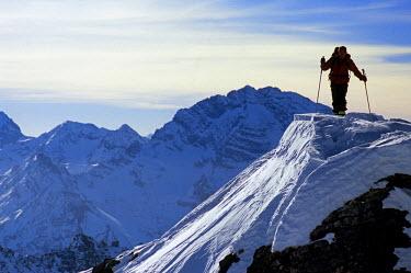 HMS0254788 Switzerland, Graubunden, Monstein, Skier mountaineering arrival at the summit of the Alplihorn (3000m)