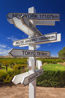 AS02128 Australia, South Australia, Barossa Valley, Rowland Flat, Jacob's Creek Winery, visitor center, directional signs