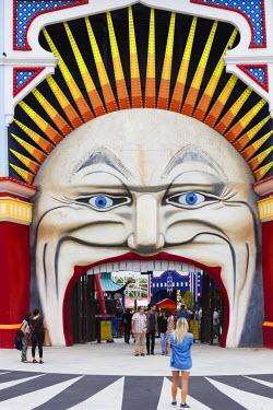 AS02286 Australia, Victoria, VIC, Melbourne, St. Kilda, entrance to Luna Park Melbourne