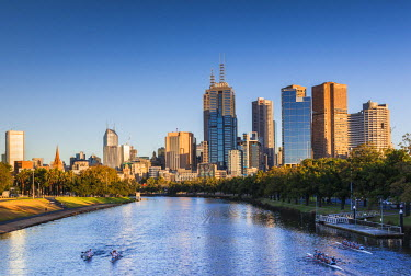 AS02272 Australia, Victoria, VIC, Melbourne, skyline along Yarra River, morning