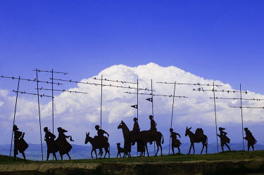 HMS0661370 Spain, Navarra, Pamplona, alegoric metal sculpture of the pilgrims, atop Sierra del Perdon