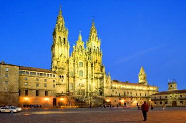 HMS0223612 Spain, Galicia, Santiago de Compostela, listed as World Heritage by UNESCO, Praza da Obradoiro, the illuminated cathedral