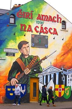 HMS0812837 United Kingdom, Northern Ireland, Belfast, republican murals in the Falls area representing the attack of the Dublin GPO in 1916 by the IRA