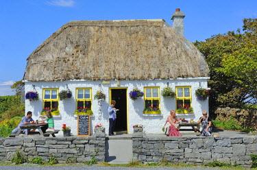 HMS0817531 Ireland, County Galway, Aran Islands, Inishmore, Kilmurvey local cafe