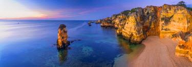 PT06167 Portugal, Algarve, Lagos, Dona Ana Beach (Praia Dona Ana)