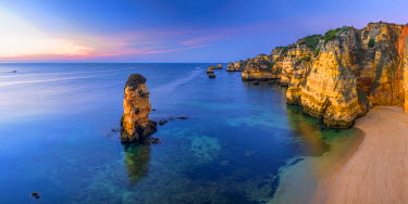 PT06168 Portugal, Algarve, Lagos, Dona Ana Beach (Praia Dona Ana)