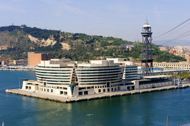 HMS0223150 Spain, Catalonia, Barcelona, overview of the new commercial port at the bottom of Montjuic and the World Trade Center Barcelona (WTCB) by architect Henry N. Cobb from the cable car