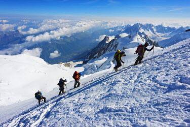 FRA8315 Europe, France, Haute Savoie, Rhone Alps, Chamonix Valley, Mont Blanc 4810m, climbers on Mt Blanc