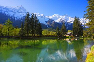 FRA8323 Europe, France, Haute Savoie, Rhone Alps, Chamonix Valley, Mont Blanc 4810m above Lac des Gaillands