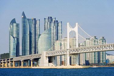 SKO0107 Asia, Republic of Korea, South Korea, Busan, city skyline and Gwangang bridge