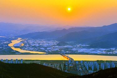 SKO0128 Asia, Republic of Korea, South Korea, Busan, sunset over Busan