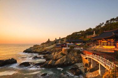 SKO0141 Asia, Republic of Korea, South Korea, Busan, Haedong Yonggungsa temple